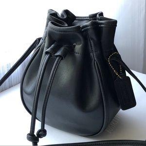 Vintage Coach Black Lightweight Leather Marble Bag